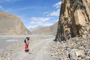 Walking from Jomsom to Kagbeni in lower Mustang, Nepal