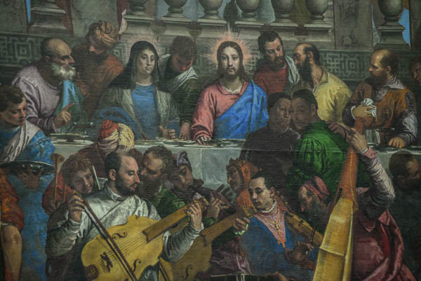 Seems more of a party atmosphere in this version of the last supper.
