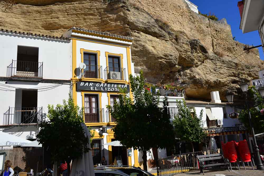 Houses in Sentenil Spain